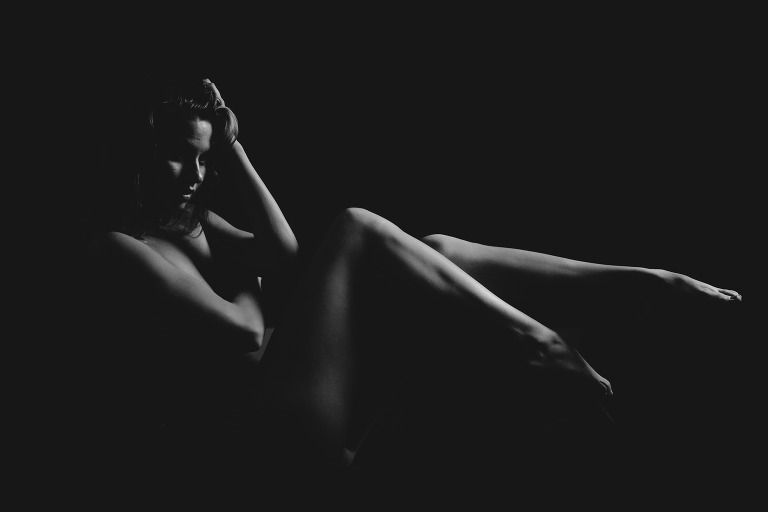 Black and White Boudoir Photography. Bodyscaping boudoir photographer in Las Vegas with dramatic lighting.